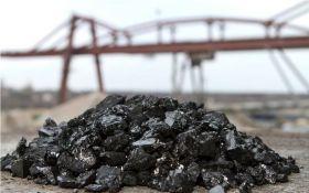 Экономист: блокада Донбасса и захват предприятий могут обвалить гривну