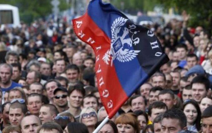 За що Захарченко ненавидить Донбас: блогера шокували зарплати в Донецьку
