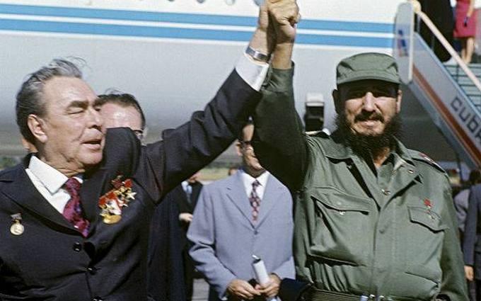 В сети появилась необычная трактовка конфуза Обамы и Кастро
