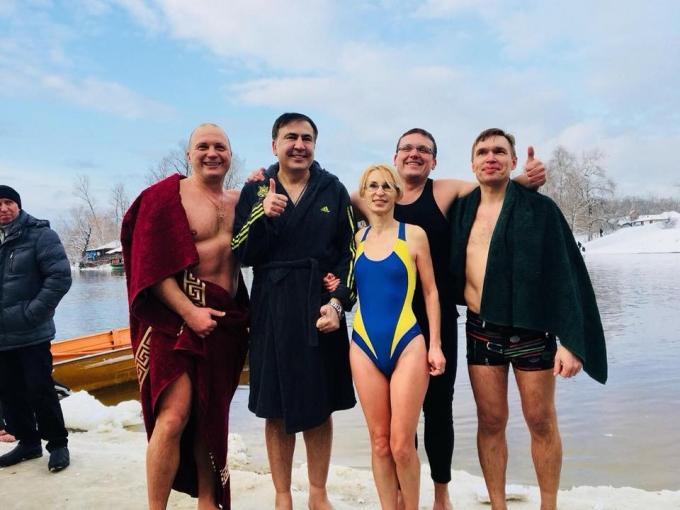 Крещение-2018: сеть обсуждает купание украинских политиков в проруби (5)