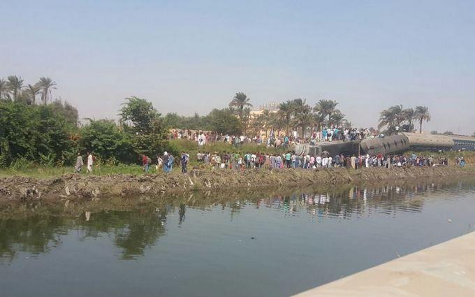 У Єгипті сталася масштабна катастрофа з поїздом, багато загиблих: з'явилися фото