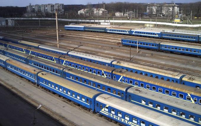 В украинских поездах запретили шансон: документ