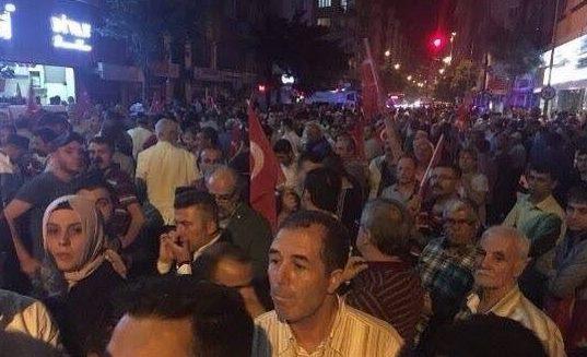 Провальний військовий переворот в Туреччині: хроніка подій, подробиці, найяскравіші фото та відео (24)