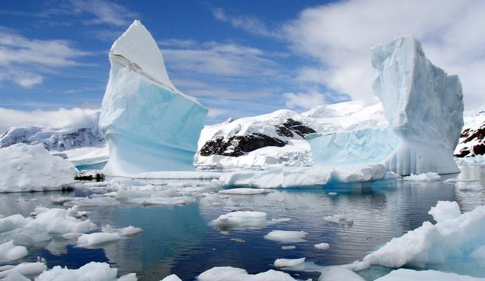 """Ледники """"впитывают"""" талую воду ледников"""