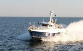Россия нагло провоцирует украинские корабли в Азовском море - опубликовано видео