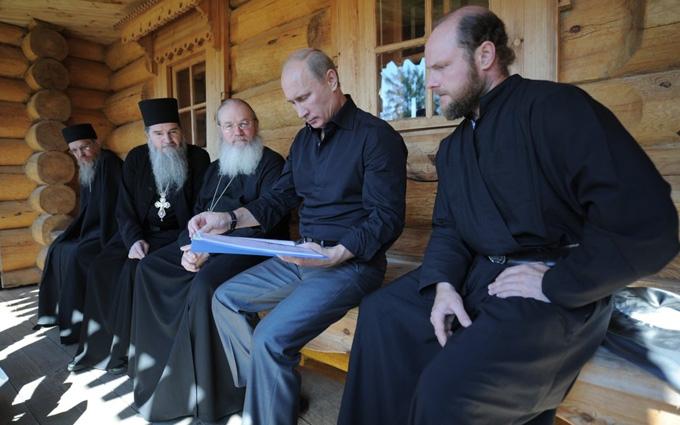 Путін попросив молитися про загиблих в Сирії: соцмережі вибухнули гнівом