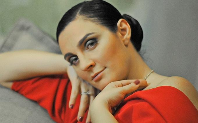 Російська співачка заявила, що не їде в Україну через Порошенка