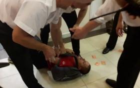 У Києві охорона торгового центру влаштувала скандал і бійку: з'явилися відео