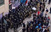В Харькове полиция с боем оттеснила пикетчиков от Сбербанка России: появились фото и видео