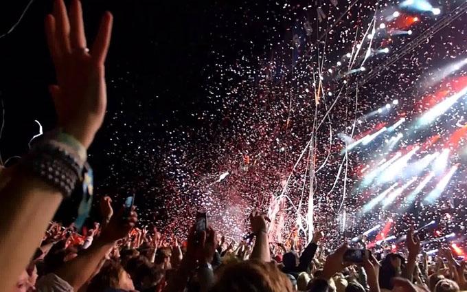 Концерт Muse в Києві підірвав соцмережі: опубліковані відео та смішні фото