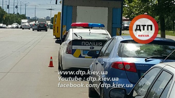 У Києві зіткнулися дві маршрутки, багато постраждалих: з'явилися фото і відео (1)