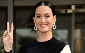Знаменита співачка відкрила зірку на Алеї слави: з'явилися фото і відео