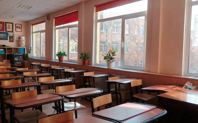 У Дніпрі розгорається страшний скандал через напад вчительки на дитину: з'явилися фото