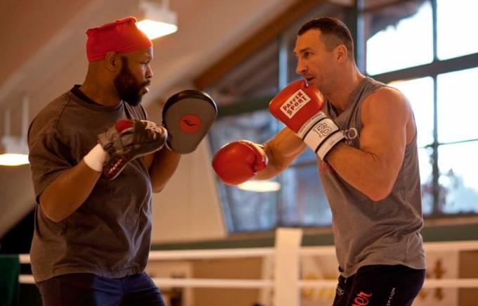 Кличко старанно готується до бою з Тайсоном: опубліковані фото