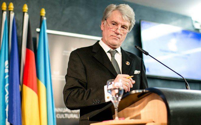 З Ющенком стався курйозний інцидент в електричці: з'явилися фото