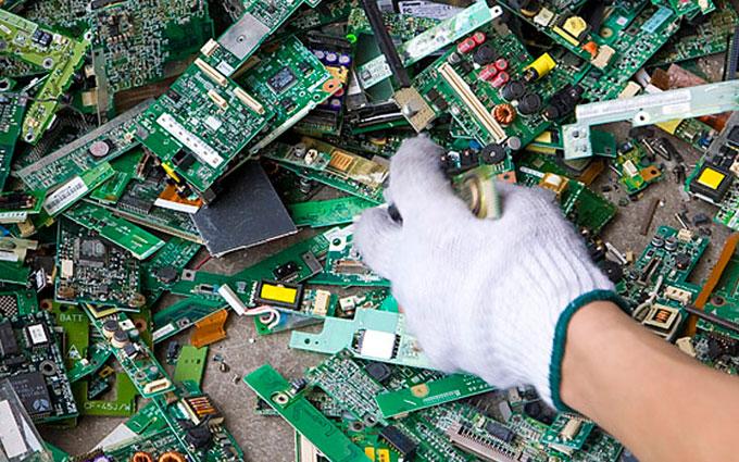 Ученые рассказали о количестве отходов при производстве популярных товаров