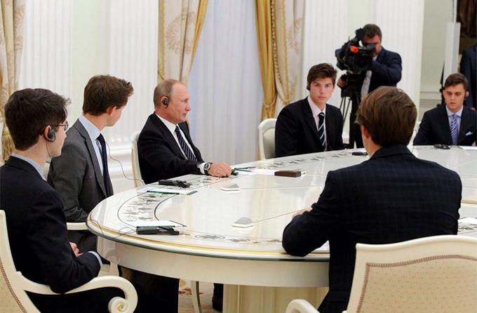 Візит британських студентів до Путіна: з'явилися несподівані подробиці, соцмережі збуджені (2)