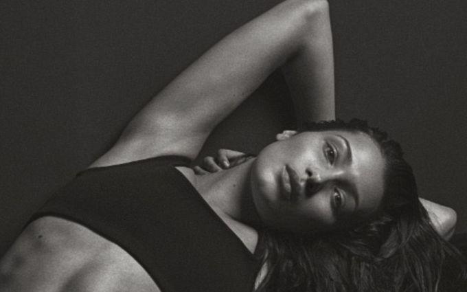 20-летняя модель повторила откровенную фотосессию, сделавшую звездой Кейт Мосс: появились фото