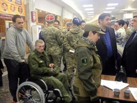 Терорист «Моторола» засвітився в Москві на «з'їзді» найманців (3 фото) (2)