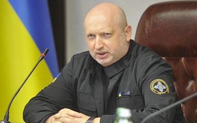 Турчинов допустив можливість вторгнення Росії в Україну