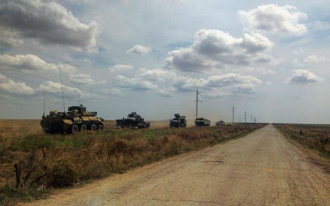 Путін нашпиговує Крим бойовою технікою: з'явилися нові фото і відео