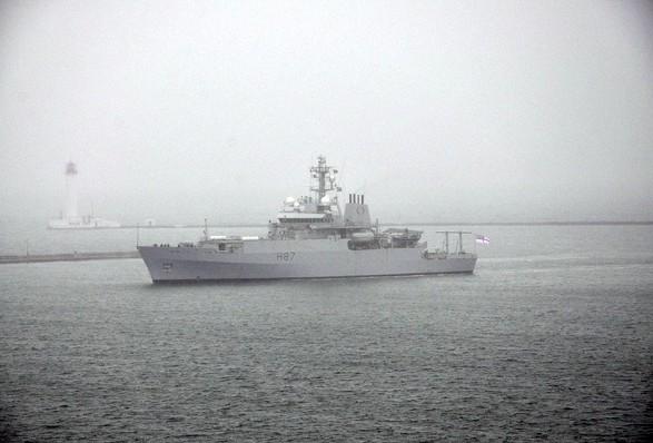 Военный корабль НАТО прибыл на помощь Украине: опубликованы фото с порта Одессы (1)