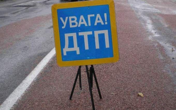 Жуткое ДТП вКиеве: погибла женщина, пострадали 9 человек, среди них дети