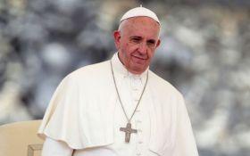 Случай с девочкой и Папой Римским растрогал сеть: опубликовано видео
