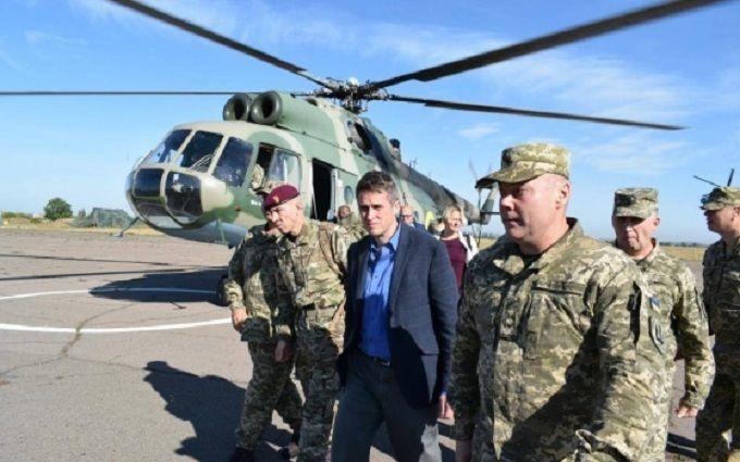 На Донбас терміново приїхав голова Міноборони Британії