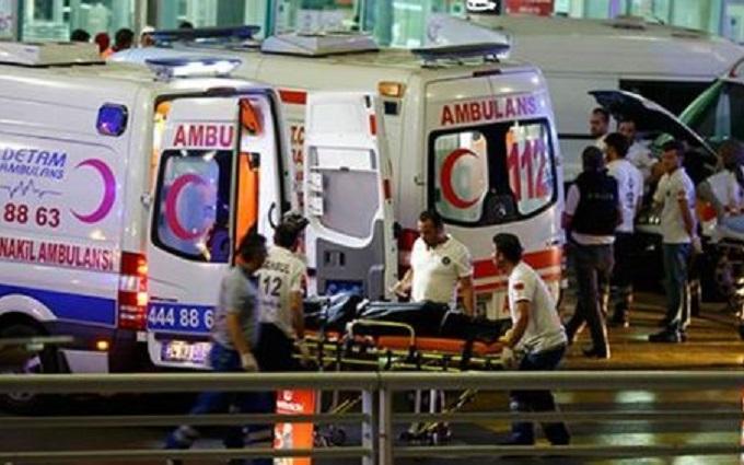 Теракти в аеропорту Стамбула: з'явилися нові подробиці і відео моменту вибуху