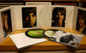 Рукописный текст известной песни The Beatles ушел с молотка за рекордную сумму
