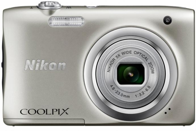 Компанія Nikon представила два фотокомпакти початкового рівня Coolpix A100 і A10 (1)