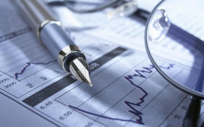 Порошенко чекає економічного зростання вже в цьому році: названі цифри
