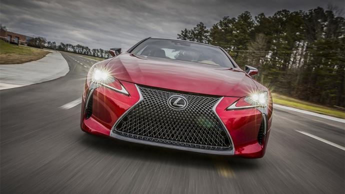 Компанія Lexus представила серійний спорткар LC500 (11 фото) (4)