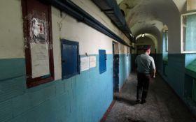 В киевском СИЗО заключенные устроили бунт: появились фото, видео и подробности