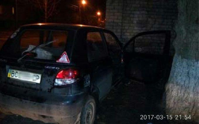 Получил права и разбился: во Львове произошло серьезное ДТП, появились фото
