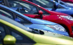 В Україні знизять тарифи на розмитнення авто: названі цифри