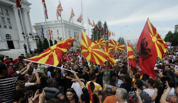 Оппозиция Македонии угрожает бойкотированием выборов
