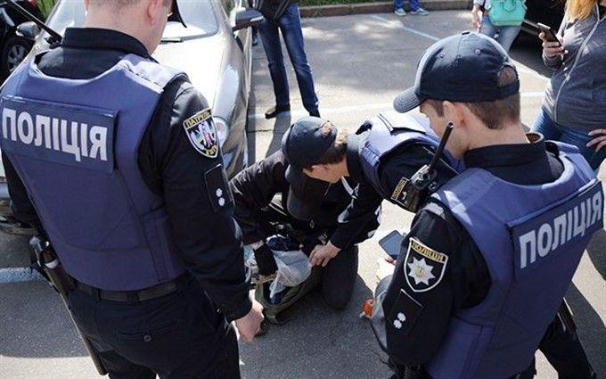 """У Львові продавали наркотики під логотипом автомобільної компанії """"TESLA"""": опубліковані фото"""
