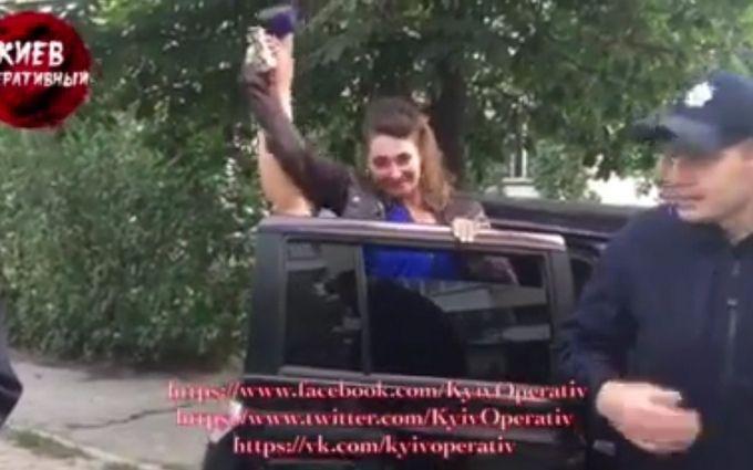 Інцидент з п'яною співробітницею поліції в Києві: з'явилося відео