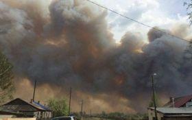 В России из-за масштабного пожара сгорело 130 жилых домов, более 500 человек лишились крова, есть погибшие