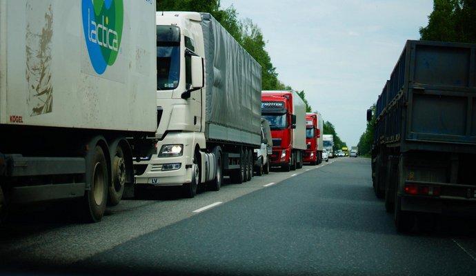 Украина поймала Россию на лжи о запрете для грузовиков