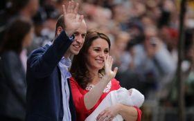 Кейт Миддлтон впервые показала новорожденного сына: появились трогательные фото и видео