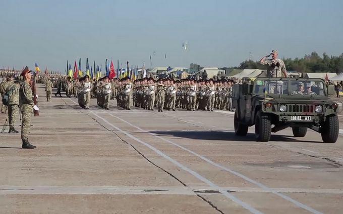 Підготовка до параду: військові показали нове яскраве відео