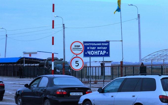 Російські війська знову ускладнюють ситуацію на адмінкордоні з Кримом