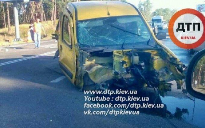 У масштабній ДТП в Києві постраждали п'ять машин: з'явилися фото
