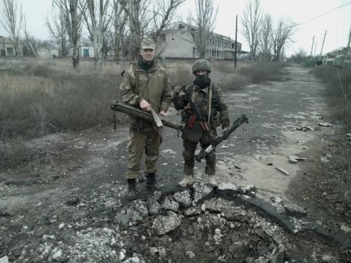 Боевики полностью оставили населенный пункт на Донбассе: появились фото и видео (1)