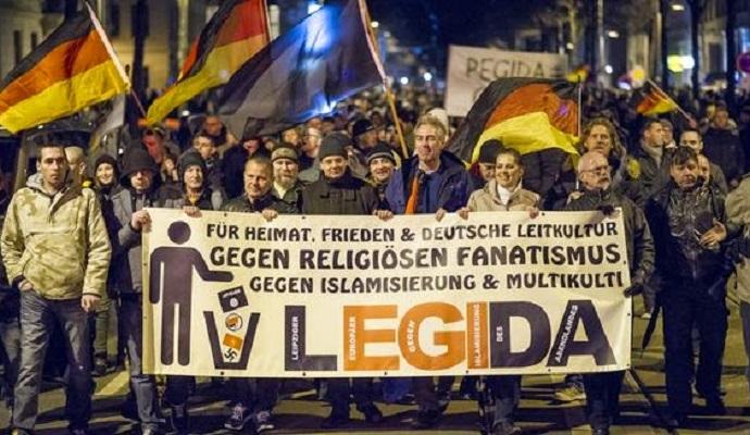 Сотні людей були заарештовані під час мітингу в Лейпцигу