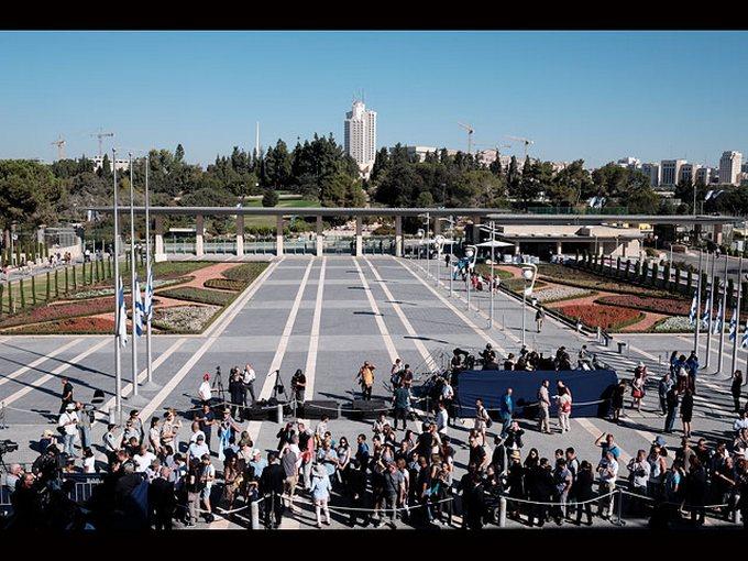 Світові лідери прощаються з екс-президентом Ізраїлю: з'явилися фото і відео (1)