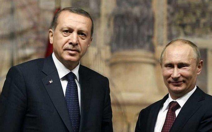 У спині вже місця для ножів немає: в мережі посміялися над дружбою Путіна з Ердоганом